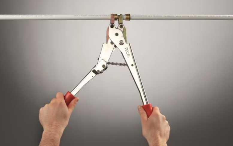 Инструмент для устройства аксиальных соединений